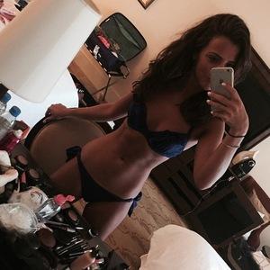 Lucy Mecklenburgh takes bikini selfie in Dubai 28 November