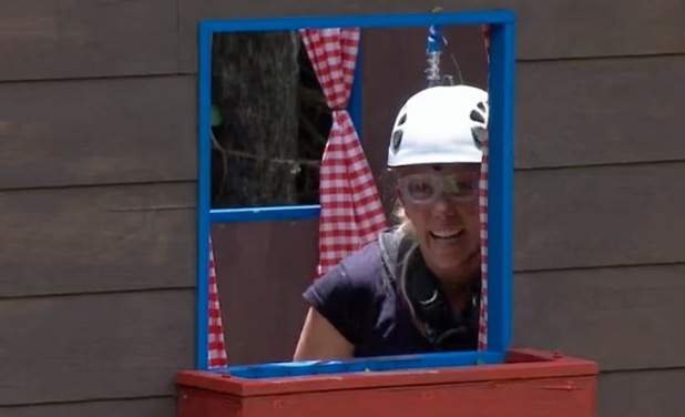 Kendra Wilkinson does her fifth Bushtucker Trial - 27 Nov 2014
