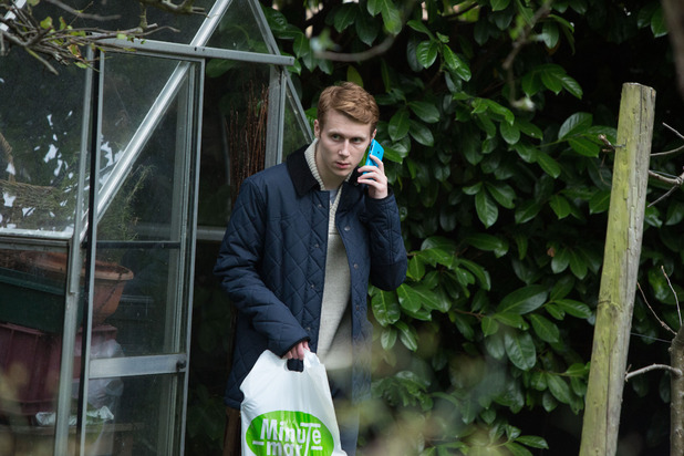EastEnders, Jay sees Denise dig evidence up, Thu 27 Nov