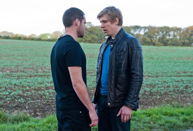 Emmerdale, Robert kisses Aaron, Thu 4 Dec