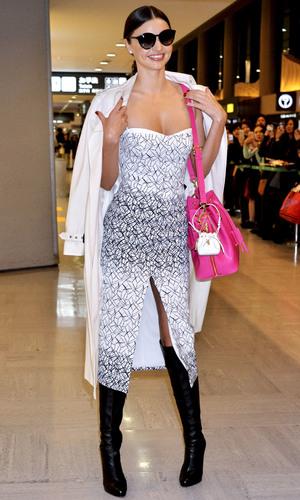 Miranda Kerr arrives at Narita International Airport, 9/12/14
