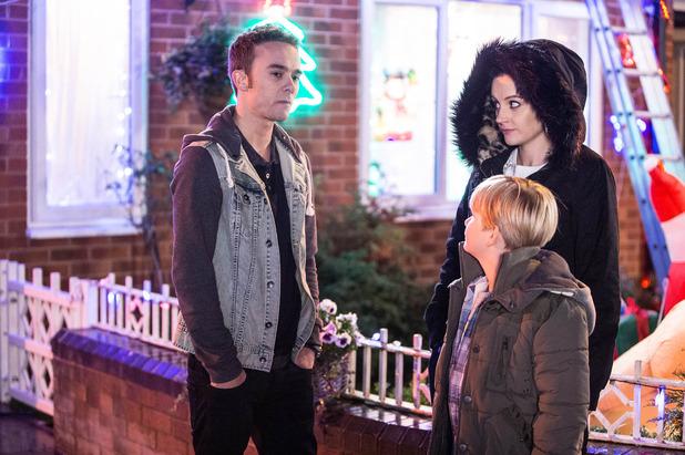 Corrie, Kylie tries to make amends, Fri 12 Dec