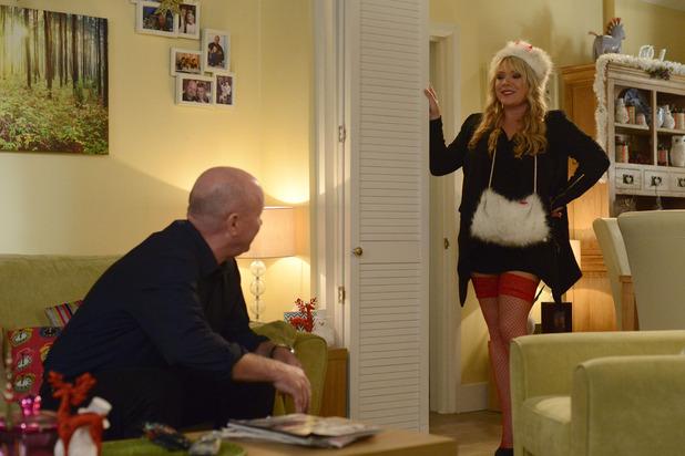 EastEnders, Sharon seduces Phil, Fri 12 Dec