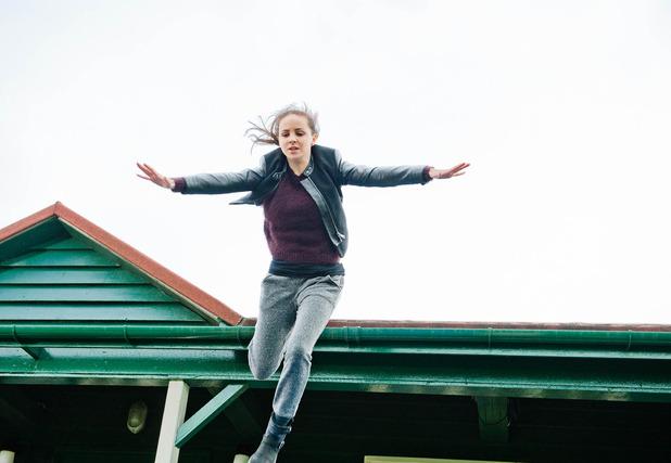 Emmerdale, Belle jumps off the roof, Fri 12 DEc