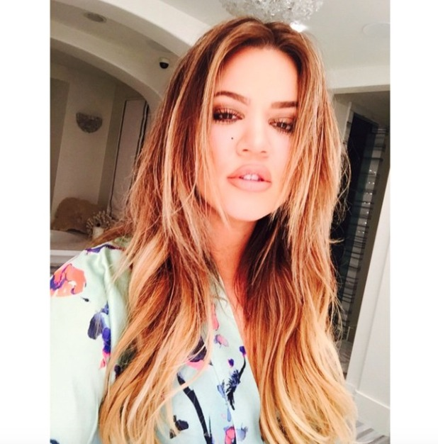Khloe Kardashian goes back to blonde hair, thanks to Tracey Cunningham at Meche salon in LA, 8 December 2014