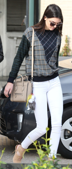 Kendall Jenner steps out in Los Angeles, America - 17 December 2014