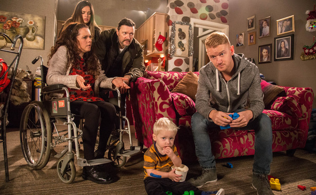 Corrie, Gary ousted by his family, Mon 22 Dec