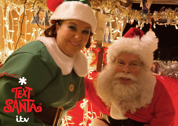 Text Santa - Warwick Davis makes cameo appearance on Coronation Street.