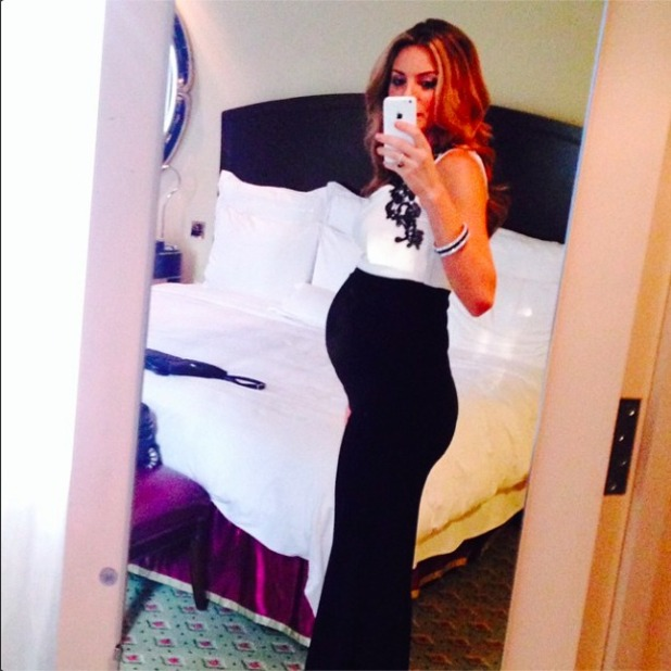 Charlotte Jackson shares pregnant selfie, 16 September 2014