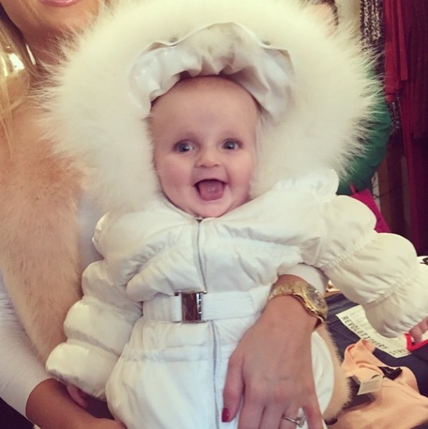 TOWIE's Sam and Billie Faiers share Christmas pictures of Nelly - 22 Dec 2014