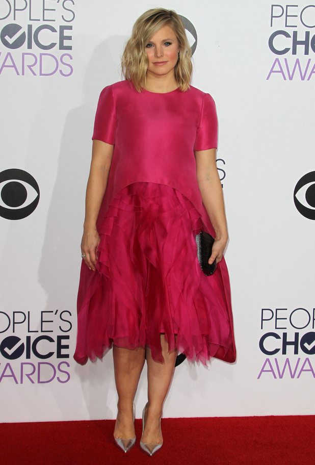 Kristen Bell attends the People's Choice Awards in Los Angeles three weeks after giving birth to her second child - 7 January 2015