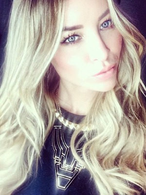 Lauren Pope big hair selfie on the way to Wales, 20 December 2014