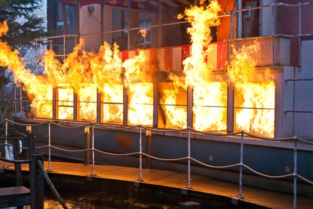 Hollyoaks, Will blows up the boat, Tue 20 Jan