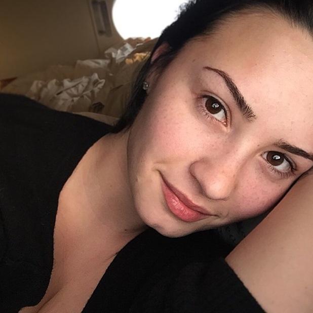Demi Lovato posts no make-up selfie on Instagram