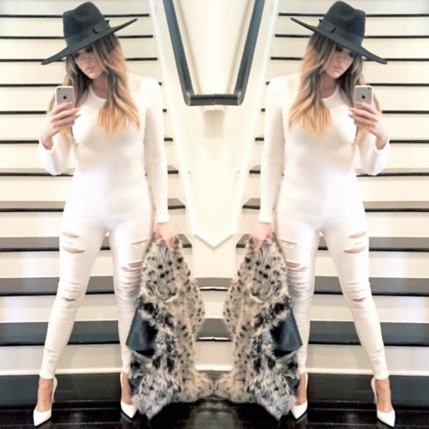 Khloe Kardashian wears super-tight white ripped jeans in an Instagram picture - 13 January 2015