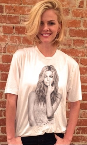 Brooklyn Decker shows off her new bob hairstyle in an Instagram picture - 20 January 2015