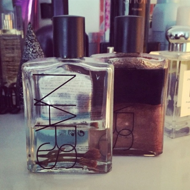 Vanessa White shows off her favourite Nars body oils, 19 January 2015