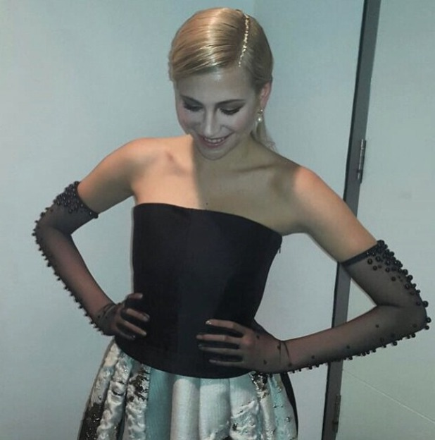 Pixie Lott wears gold leaf down her hair parting for National Television Awards, 21 January 2015