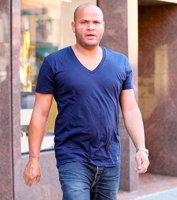 Stephen Belafonte buys a new wristwatch for himself at Steven and Co Jewelers in Beverly Hills, California - 15.09.11
