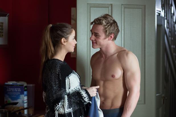 EastEnders, Peter shows Lauren his skills, Mon 2 Feb