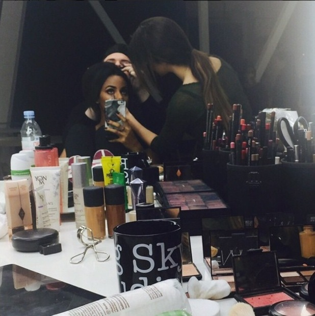 Rochelle Humes takes a mirror selfie while having her make-up done during a photoshoot - 28 January 2015
