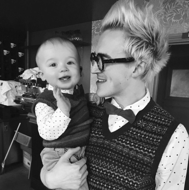 Tom Fletcher and son Buzz wear matching outfits to celebrate Giovanna's 30th birthday - 26 Jan 2015
