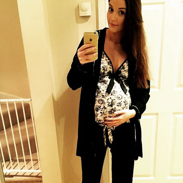 Jacqueline Jossa poses with her baby bump, tells fans she's cosy, 26 January 2015