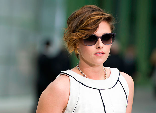Kristen Stewart attends the Chanel show as part of Paris Fashion Week Haute Couture Spring/Summer 2015 at the Grand Palais on January 27, 2015 in Paris, France. (Photo by Kristy Sparow/Getty Images)