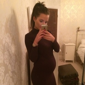 Helen Flanagan dresses baby bump in tight-fitted dress - 2 February 2015.