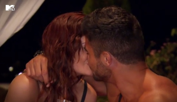 Ex On The Beach, Rogan O'Connor kisses ex Jess Impiazzi 4 February