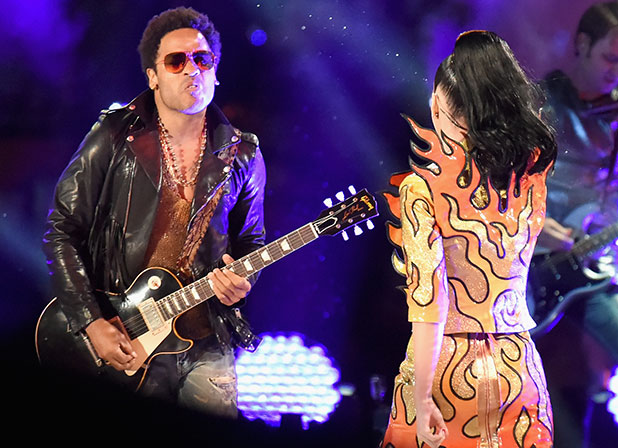 Lenny Kravitz (L) performs onstage with recording artist Katy Perry during the Pepsi Super Bowl XLIX Halftime Show at University of Phoenix Stadium on February 1, 2015 in Glendale, Arizona. (Photo by Jeff Kravitz/FilmMagic)