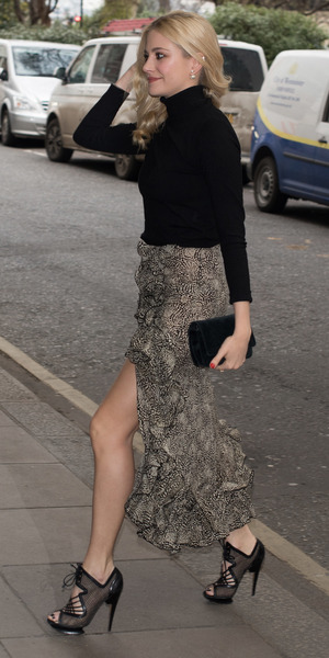 Pixie Lott heads out to lunch at The Savoy, London 10 February