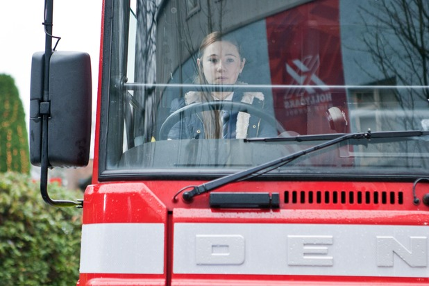 Hollyoaks, Peri drives the fire engine, Wed 11 Feb