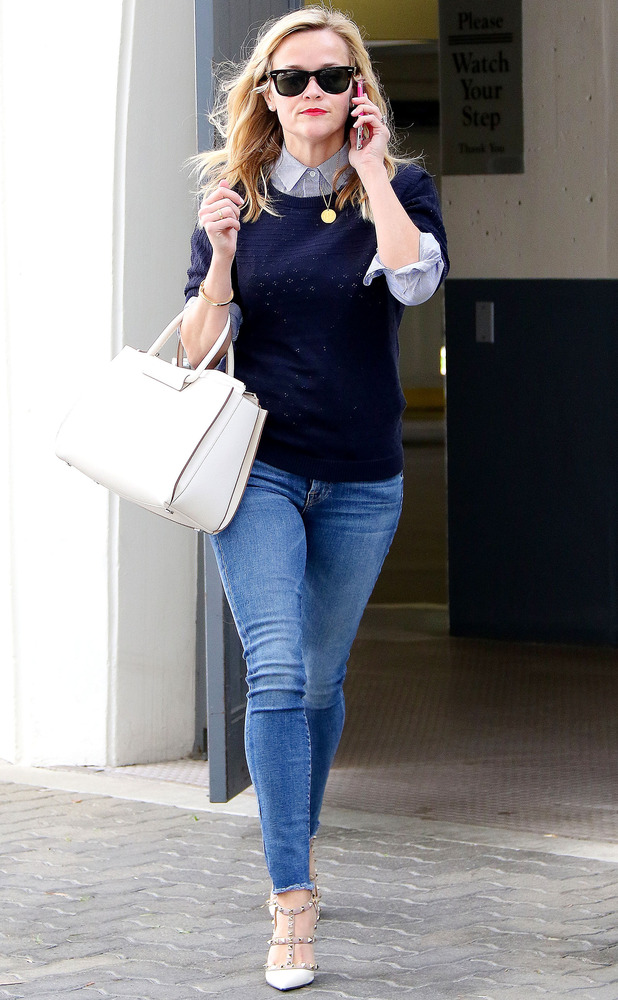Reese Witherspoon in LA, 17/2/15