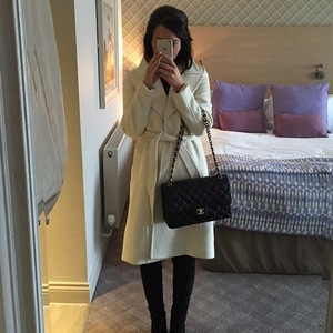Helen Flanagan covers baby bump in Instagram selfie 22 February