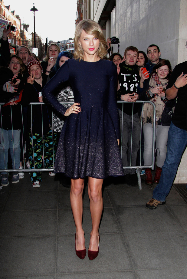 Taylor Swift arriving in chic outfit at the Radio 1 studios this morning (24 February)