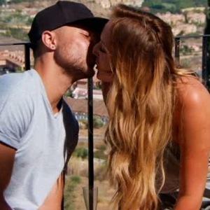 Charlotte Crosby and Adam Gabriel kiss, Ex On The Beach 3 March
