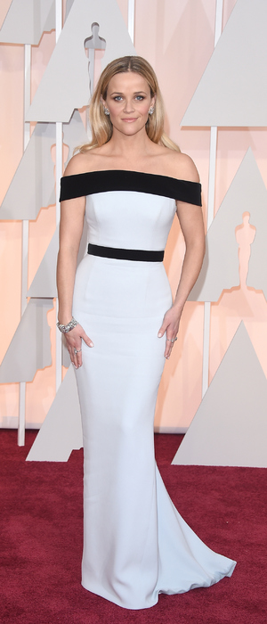 Reece Witherspoon looks stunning in Tom Ford dress at the Oscars (22 February)