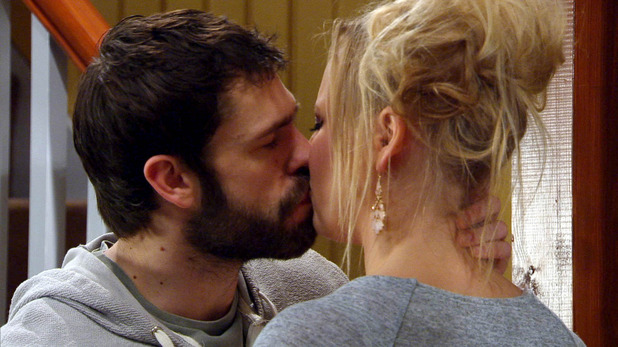 Emmerdale, Andy kisses Tracy, Mon 16 Mar