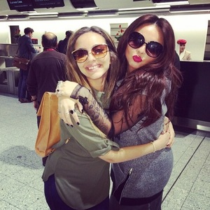 Jade Thirlwall and Jesy Nelson en route to Dubai, Instagram 9 March