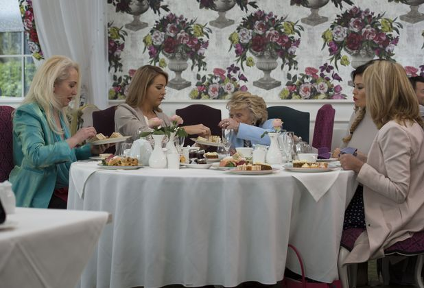 Lydia Bright, Jessica Wright, Carol Wright, Debbie Douglas and Nanny Pat enjoy afternoon tea, TOWIE filming 10 March