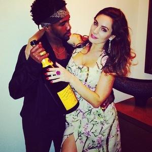 Kelly Brook celebrates One Big Happy debut, Instagram 17 March