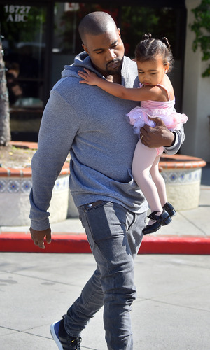 Kim and Kourtney Kardashian take their daughters to ballet dance class in Calabasas - 19 March 2015.