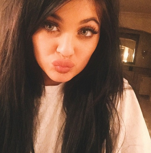 Kylie Jenner tries coloured contacts, 20 March
