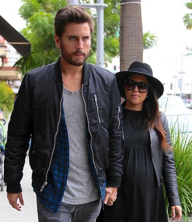 Kourtney Kardashian and Scott Disick spotted leaving Nate 'n Al of Beverly Hills Delicatessen - 5 December 2014.