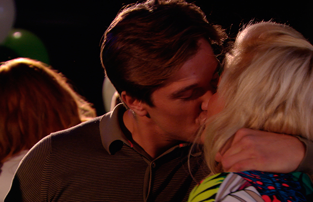 TOWIE episode to air 18 March 2015: Lewis kisses Gemma
