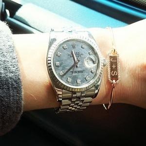 Stephanie Pratt shows off personalised bracelet with Josh Shepherd's initial on it, Instagram 26 March
