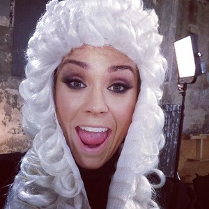 Vicky Pattison wears judge's wig while filming new show Judge Geordie, Instagram 27 March