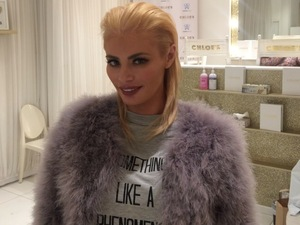 Chloe Sims after dying her hair platinum blonde, 1/4/15