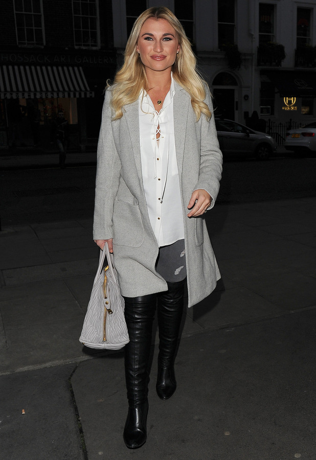 Billie Faiers enjoys night out in West End, 4 April 2015